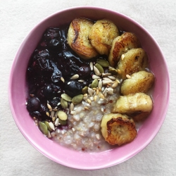 Fig+Rye Berry Banana Porridge